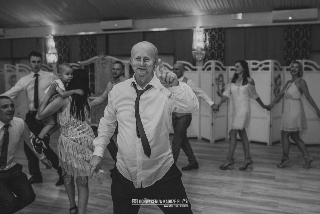 Iza Bartek Ślub w lesie Horyniec Zdrój 260 1024x683 - Plenerowy Ślub w lesie + Teledysk Ślubny | Horyniec Zdrój