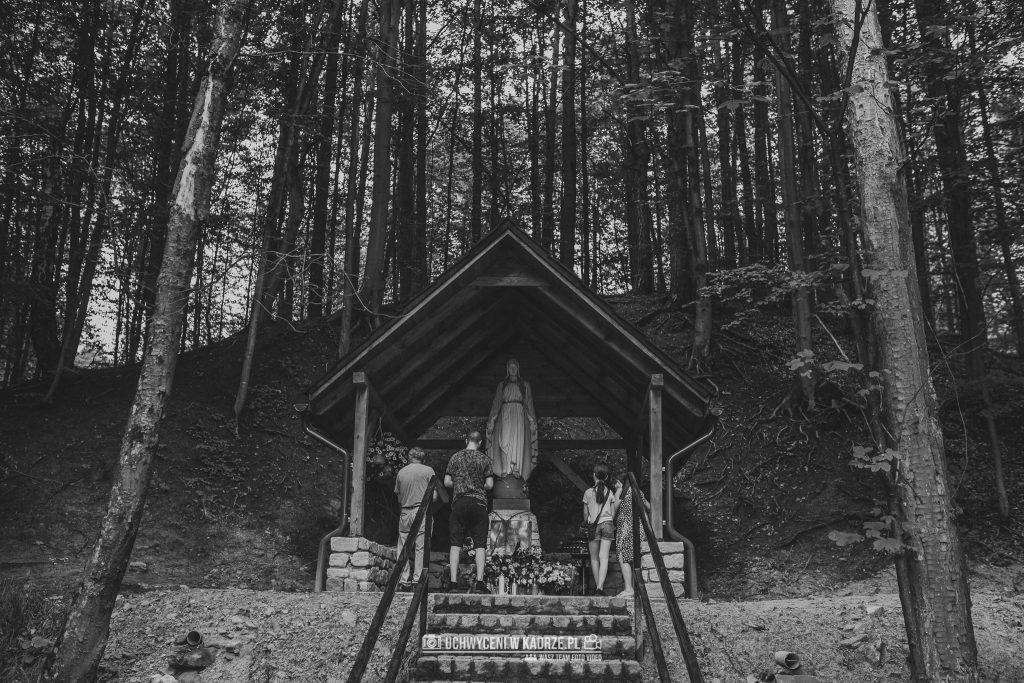 Iza Bartek Ślub w lesie Horyniec Zdrój 77 1024x683 - Plenerowy Ślub w lesie + Teledysk Ślubny | Horyniec Zdrój