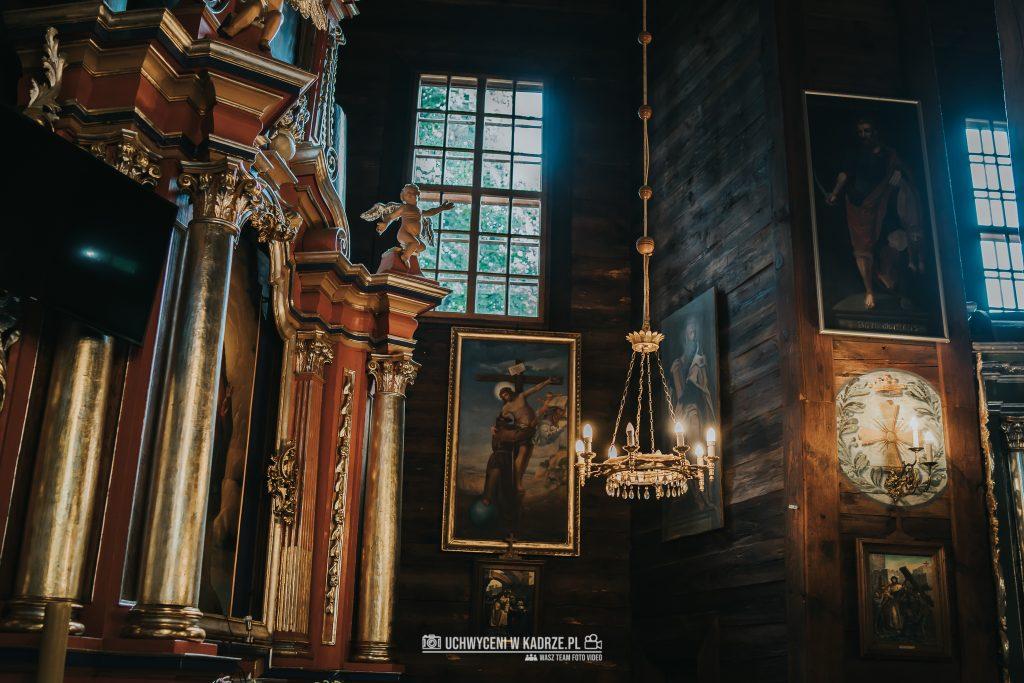 Magdalena Bartłomiej Fotografia Slubna 123 1024x683 - Ślub w zabytkowym drewnianym kościele | Tomaszów Lubelski