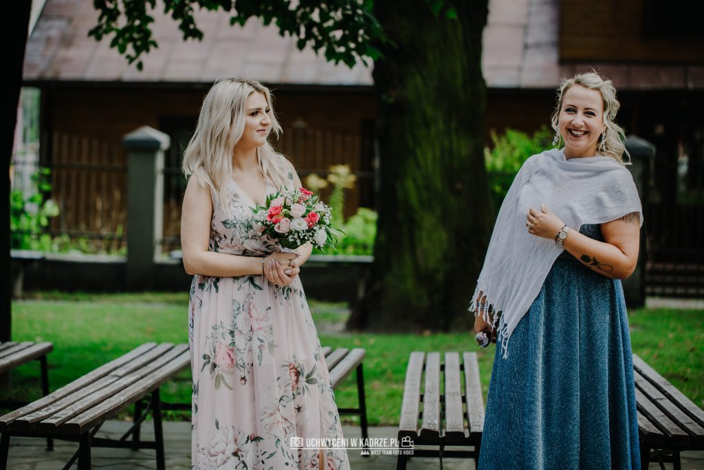 Magdalena Bartłomiej Fotografia Slubna 130 1024x683 - Ślub w zabytkowym drewnianym kościele | Tomaszów Lubelski
