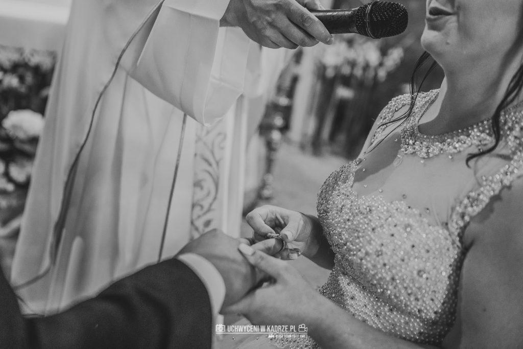 Magdalena Bartłomiej Fotografia Slubna 173 1024x683 - Ślub w zabytkowym drewnianym kościele | Tomaszów Lubelski