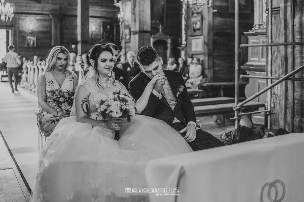 Magdalena Bartłomiej Fotografia Slubna 176 1024x683 - Ślub w zabytkowym drewnianym kościele | Tomaszów Lubelski