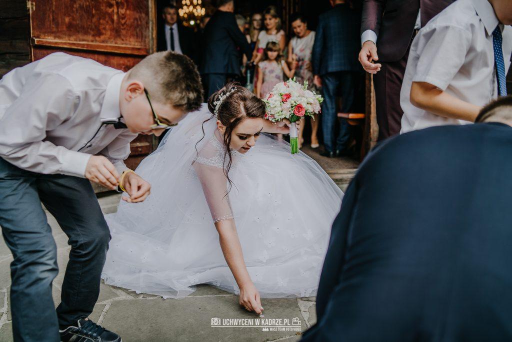 Magdalena Bartłomiej Fotografia Slubna 194 1024x683 - Ślub w zabytkowym drewnianym kościele | Tomaszów Lubelski