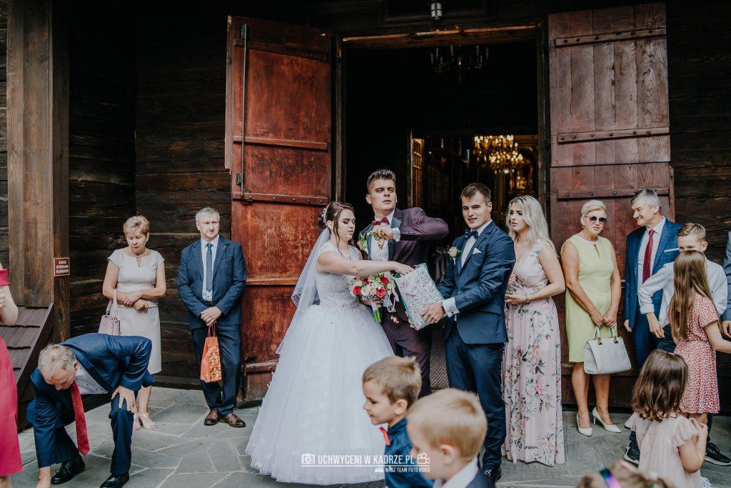 Magdalena Bartłomiej Fotografia Slubna 197 1024x683 - Ślub w zabytkowym drewnianym kościele | Tomaszów Lubelski