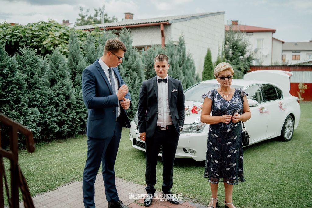 Magdalena Bartłomiej Fotografia Slubna 20 1024x683 - Ślub w zabytkowym drewnianym kościele | Tomaszów Lubelski