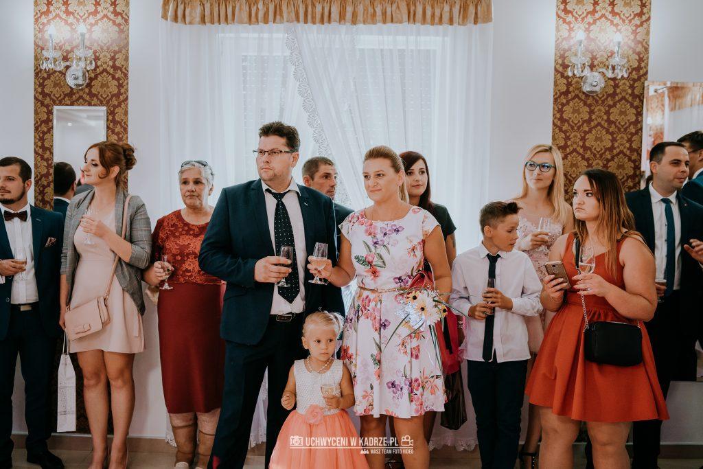 Magdalena Bartłomiej Fotografia Slubna 226 1024x683 - Ślub w zabytkowym drewnianym kościele | Tomaszów Lubelski