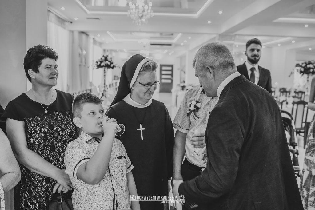 Magdalena Bartłomiej Fotografia Slubna 227 1024x683 - Ślub w zabytkowym drewnianym kościele | Tomaszów Lubelski
