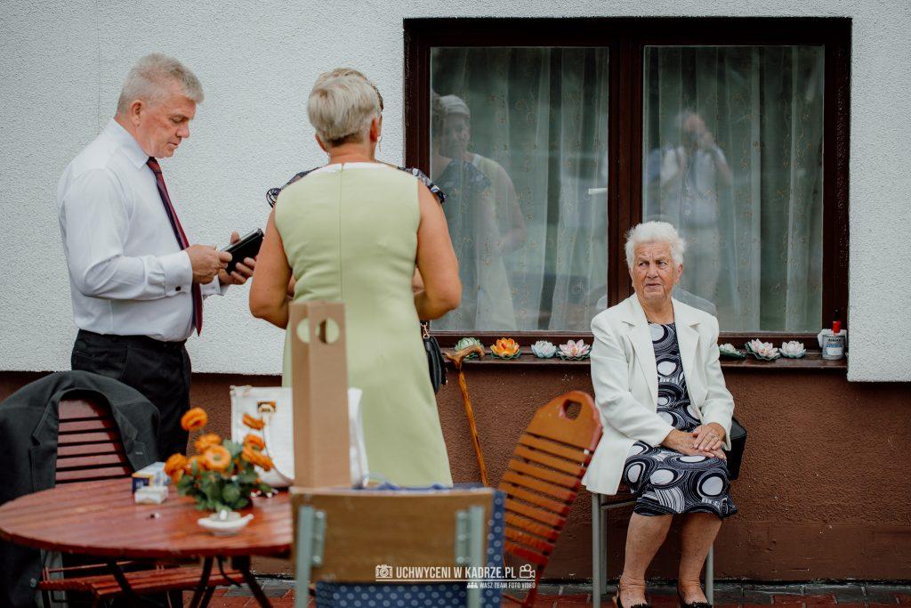 Magdalena Bartłomiej Fotografia Slubna 23 1024x683 - Ślub w zabytkowym drewnianym kościele | Tomaszów Lubelski