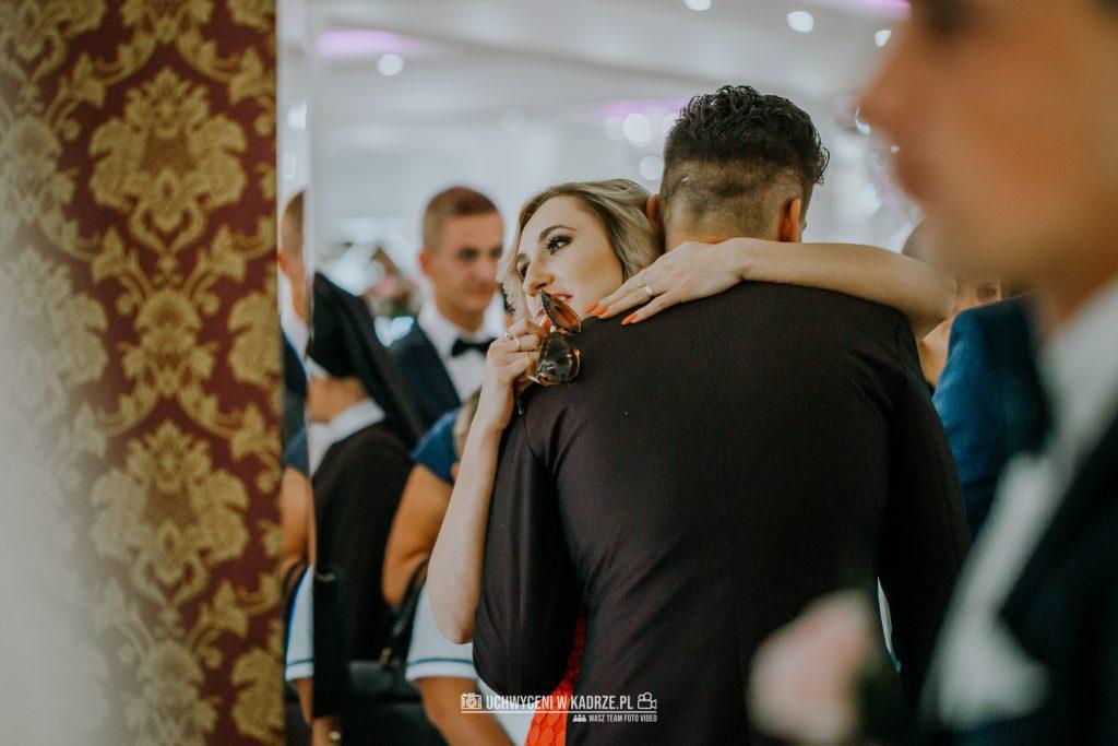 Magdalena Bartłomiej Fotografia Slubna 242 1024x683 - Ślub w zabytkowym drewnianym kościele | Tomaszów Lubelski