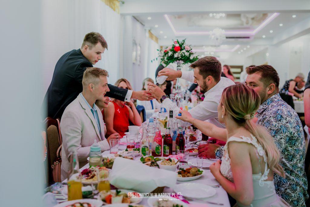 Magdalena Bartłomiej Fotografia Slubna 278 1024x683 - Ślub w zabytkowym drewnianym kościele | Tomaszów Lubelski