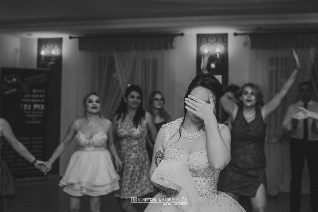 Magdalena Bartłomiej Fotografia Slubna 364 1024x683 - Ślub w zabytkowym drewnianym kościele | Tomaszów Lubelski