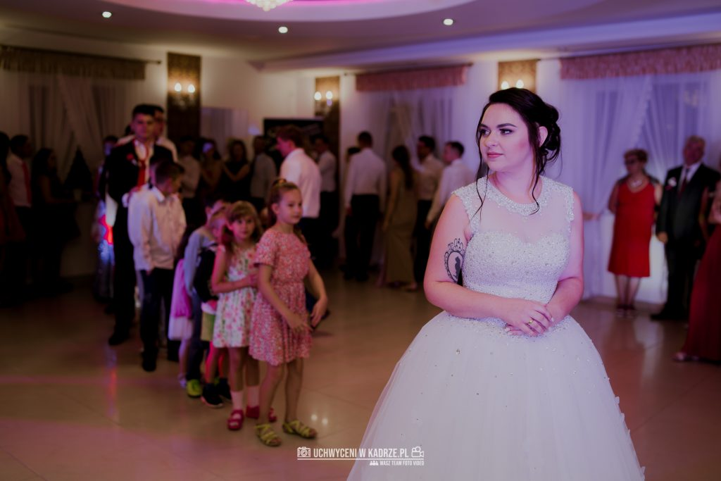 Magdalena Bartłomiej Fotografia Slubna 392 1024x683 - Ślub w zabytkowym drewnianym kościele | Tomaszów Lubelski