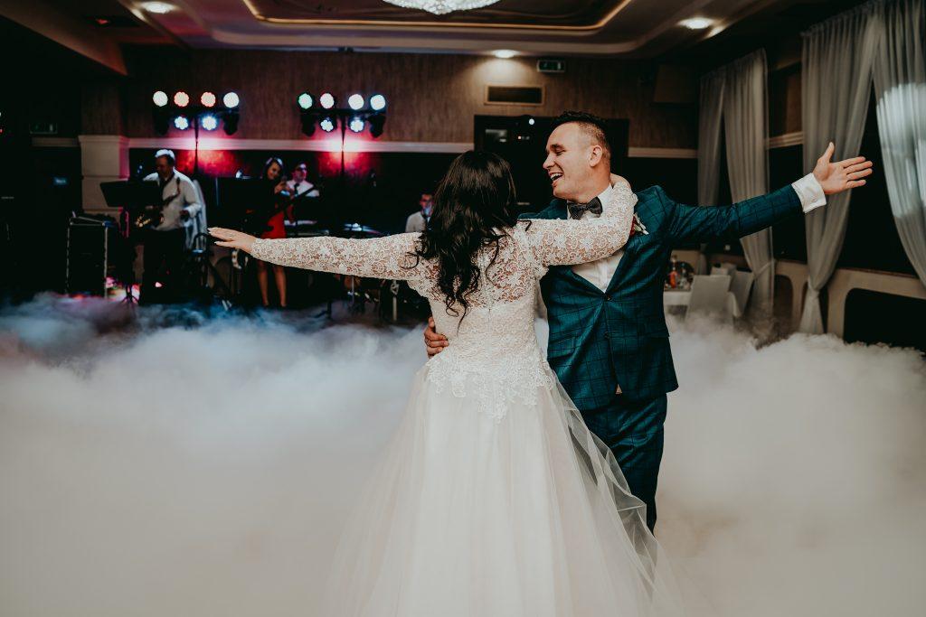 reportaz slubny lubelskie magda tomek 101 1024x683 - Przepiękne wesele w Hotelu 'Regent' w Pawłowie | Magda & Tomek | 26.10.2019