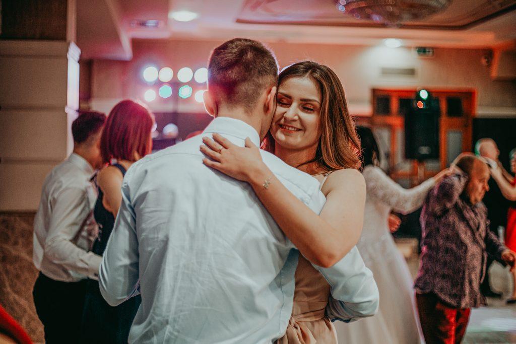 reportaz slubny lubelskie magda tomek 124 1024x683 - Przepiękne wesele w Hotelu 'Regent' w Pawłowie | Magda & Tomek | 26.10.2019