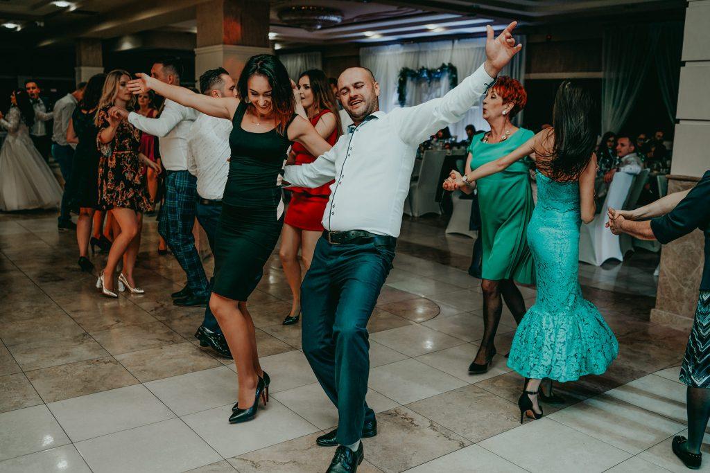 reportaz slubny lubelskie magda tomek 127 1024x683 - Przepiękne wesele w Hotelu 'Regent' w Pawłowie | Magda & Tomek | 26.10.2019