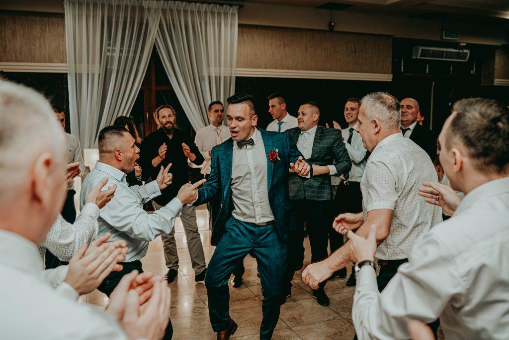 reportaz slubny lubelskie magda tomek 129 1024x683 - Przepiękne wesele w Hotelu 'Regent' w Pawłowie | Magda & Tomek | 26.10.2019