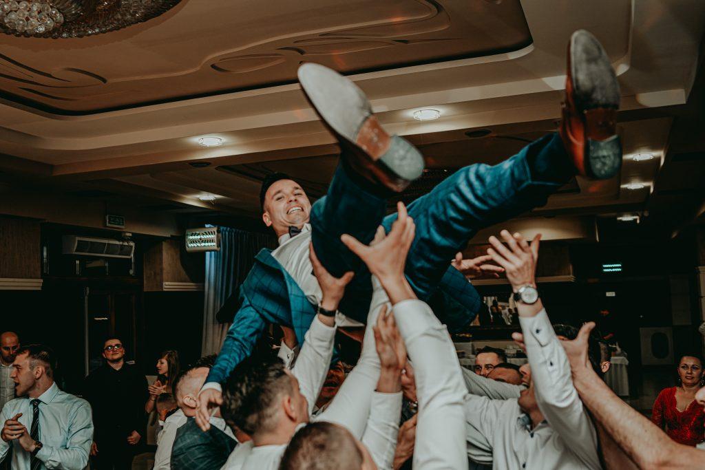 reportaz slubny lubelskie magda tomek 130 1024x683 - Przepiękne wesele w Hotelu 'Regent' w Pawłowie | Magda & Tomek | 26.10.2019