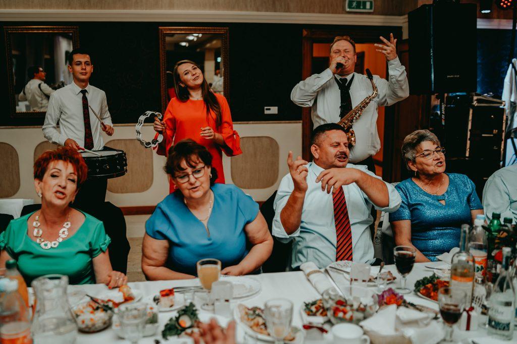 reportaz slubny lubelskie magda tomek 143 1024x683 - Przepiękne wesele w Hotelu 'Regent' w Pawłowie | Magda & Tomek | 26.10.2019