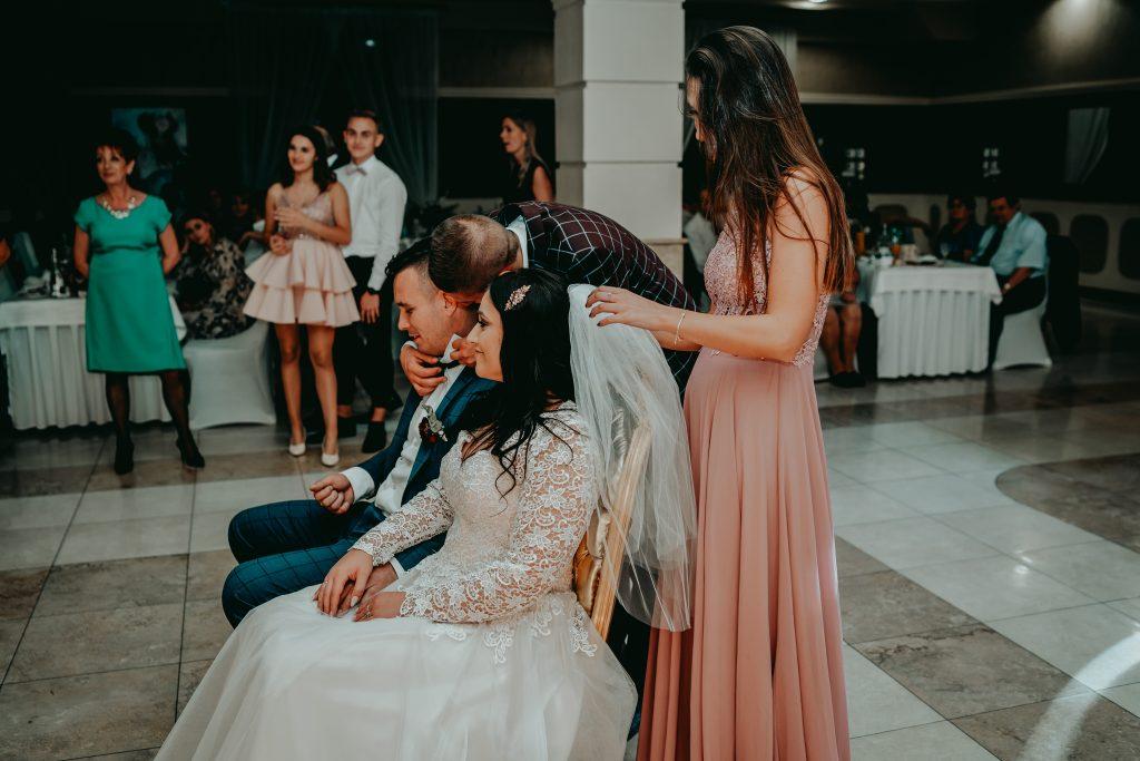 reportaz slubny lubelskie magda tomek 158 1024x683 - Przepiękne wesele w Hotelu 'Regent' w Pawłowie | Magda & Tomek | 26.10.2019