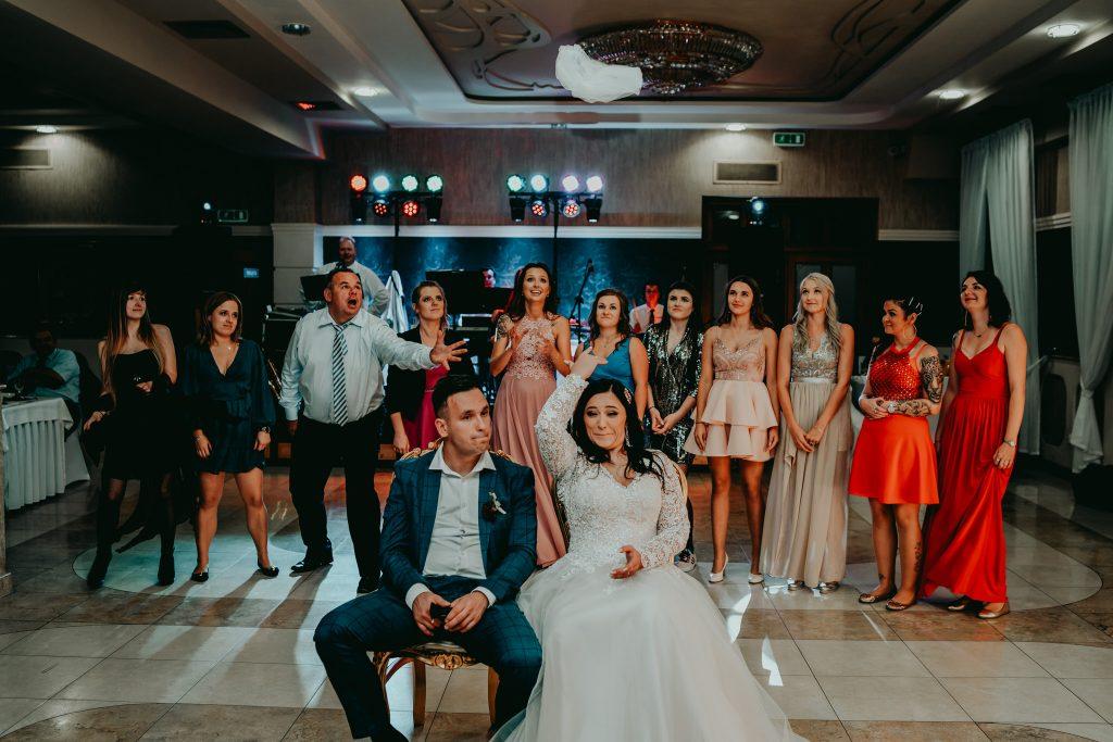 reportaz slubny lubelskie magda tomek 159 1024x683 - Przepiękne wesele w Hotelu 'Regent' w Pawłowie | Magda & Tomek | 26.10.2019