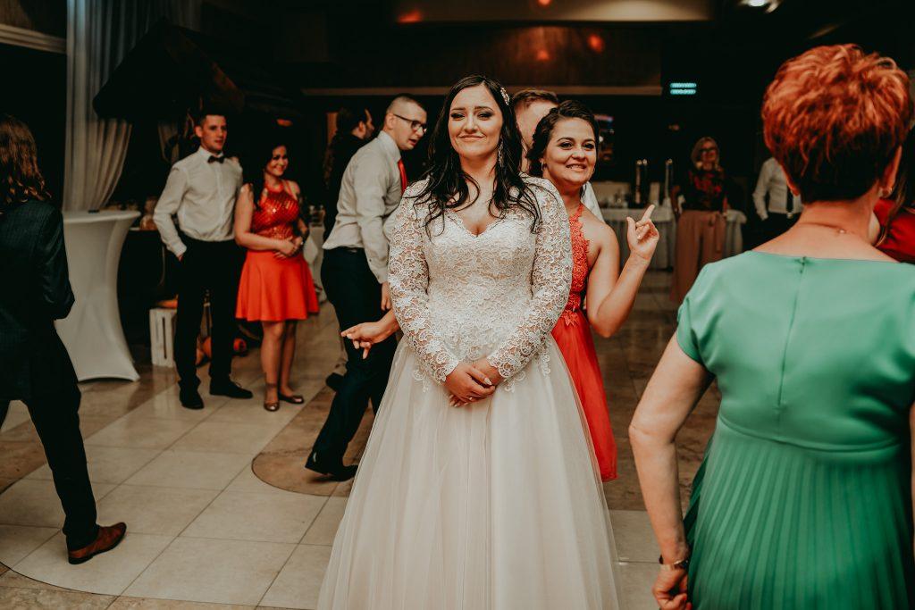 reportaz slubny lubelskie magda tomek 165 1024x683 - Przepiękne wesele w Hotelu 'Regent' w Pawłowie | Magda & Tomek | 26.10.2019