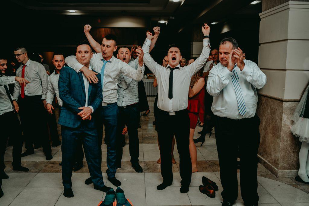 reportaz slubny lubelskie magda tomek 168 1024x683 - Przepiękne wesele w Hotelu 'Regent' w Pawłowie | Magda & Tomek | 26.10.2019