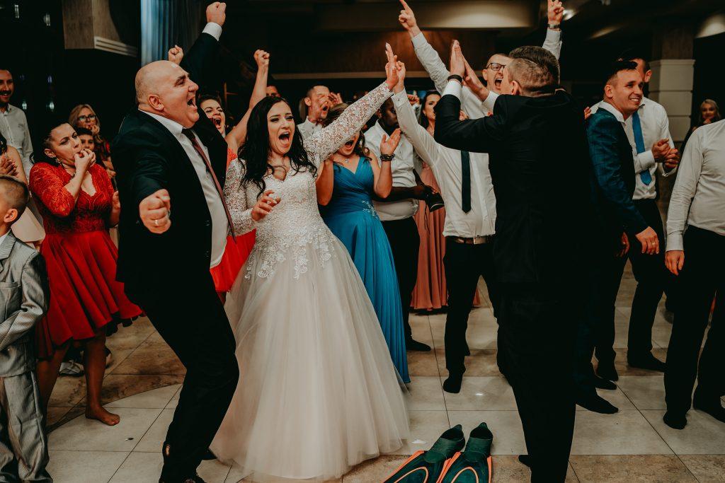reportaz slubny lubelskie magda tomek 169 1024x683 - Przepiękne wesele w Hotelu 'Regent' w Pawłowie | Magda & Tomek | 26.10.2019