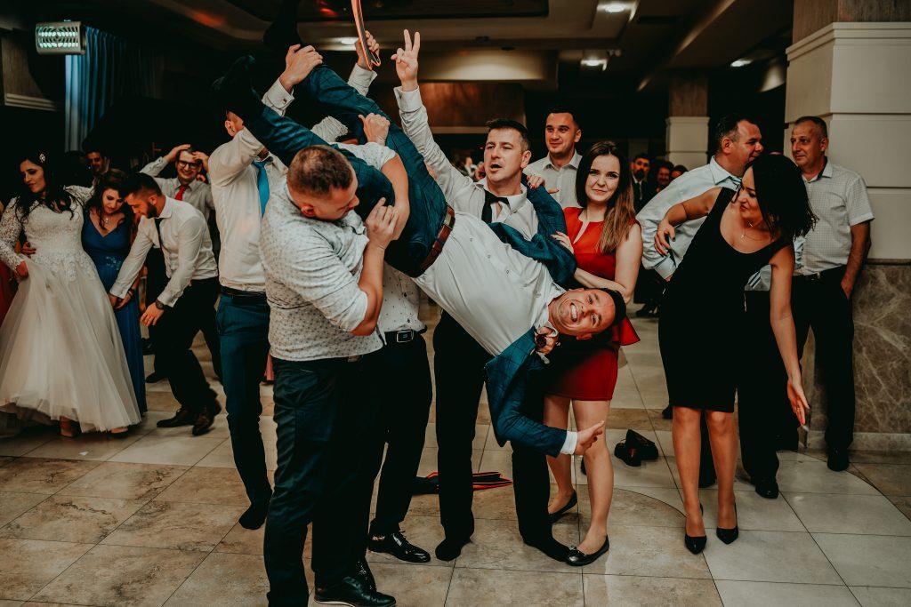 reportaz slubny lubelskie magda tomek 170 1024x683 - Przepiękne wesele w Hotelu 'Regent' w Pawłowie | Magda & Tomek | 26.10.2019