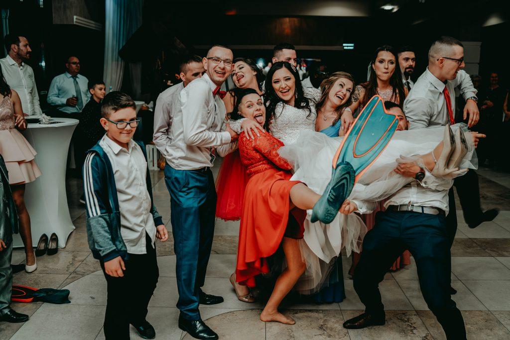 reportaz slubny lubelskie magda tomek 171 1024x683 - Przepiękne wesele w Hotelu 'Regent' w Pawłowie | Magda & Tomek | 26.10.2019