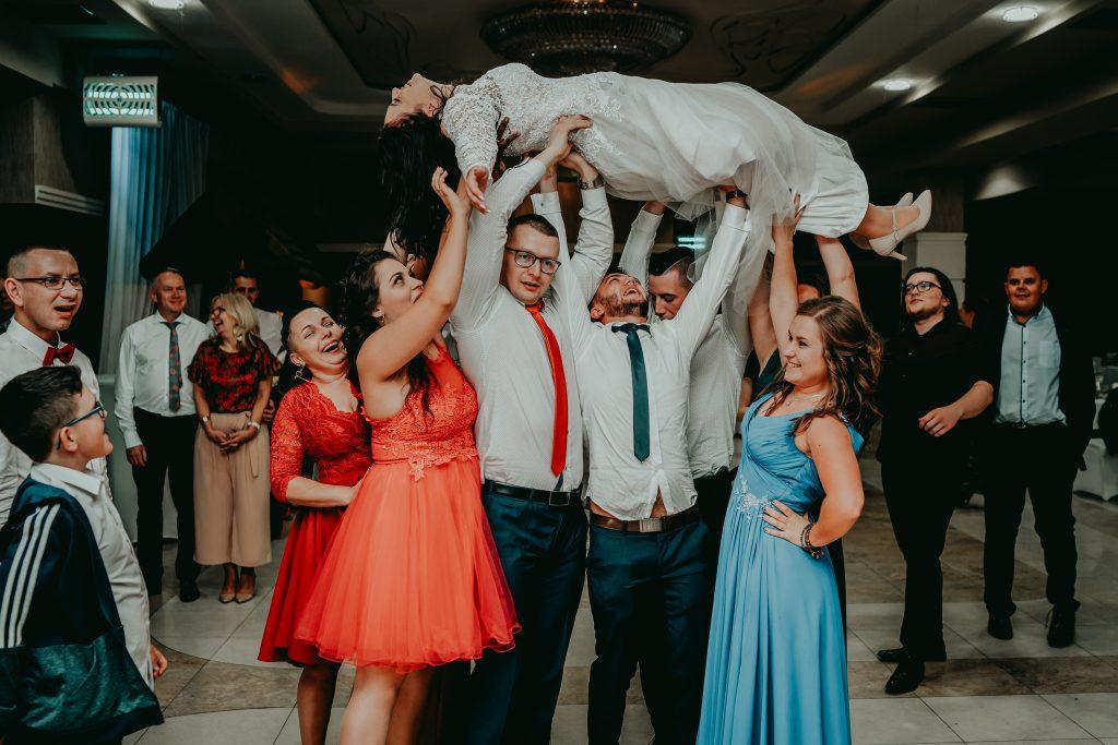 reportaz slubny lubelskie magda tomek 172 1024x683 - Przepiękne wesele w Hotelu 'Regent' w Pawłowie | Magda & Tomek | 26.10.2019