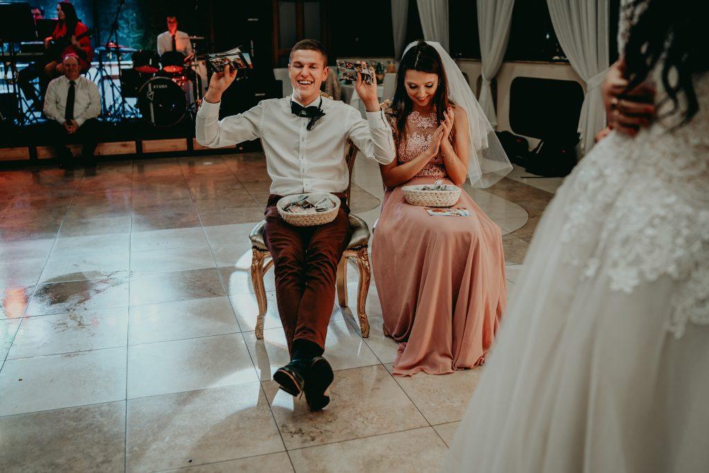 reportaz slubny lubelskie magda tomek 177 1024x683 - Przepiękne wesele w Hotelu 'Regent' w Pawłowie | Magda & Tomek | 26.10.2019