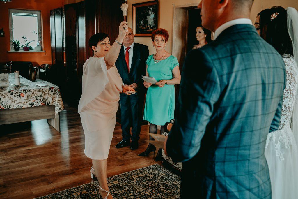 reportaz slubny lubelskie magda tomek 28 1024x683 - Przepiękne wesele w Hotelu 'Regent' w Pawłowie | Magda & Tomek | 26.10.2019