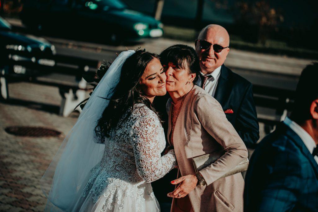 reportaz slubny lubelskie magda tomek 38 1024x683 - Przepiękne wesele w Hotelu 'Regent' w Pawłowie | Magda & Tomek | 26.10.2019