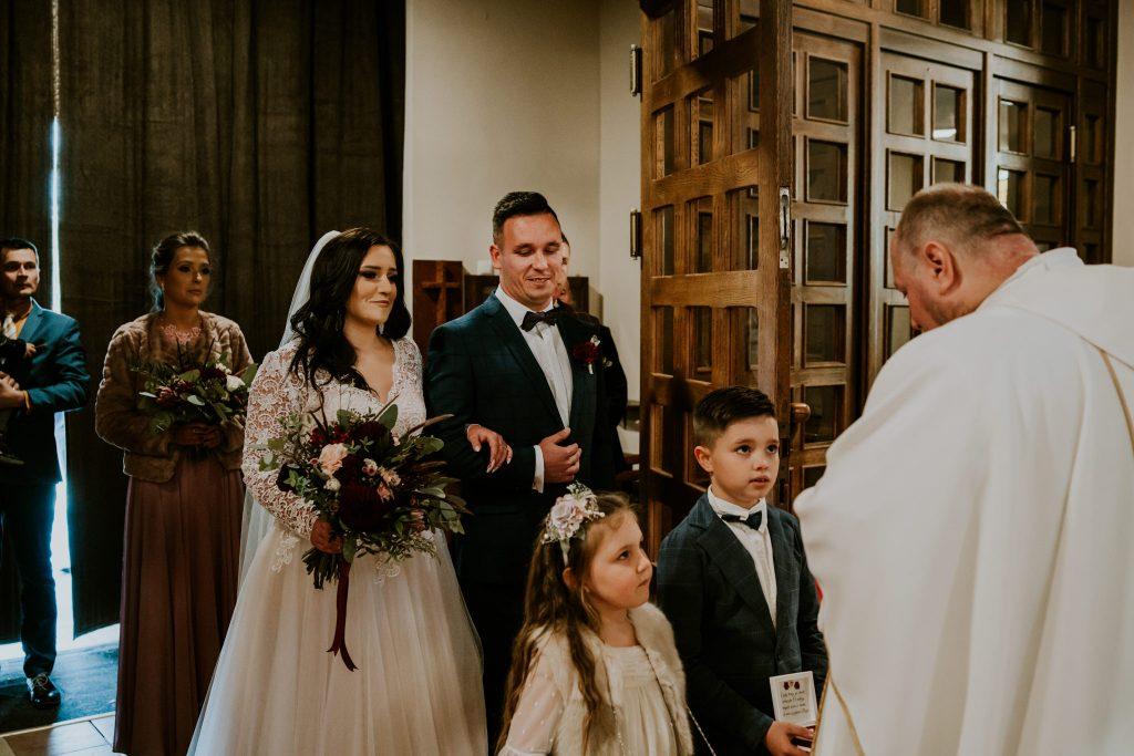 reportaz slubny lubelskie magda tomek 44 1024x683 - Przepiękne wesele w Hotelu 'Regent' w Pawłowie | Magda & Tomek | 26.10.2019