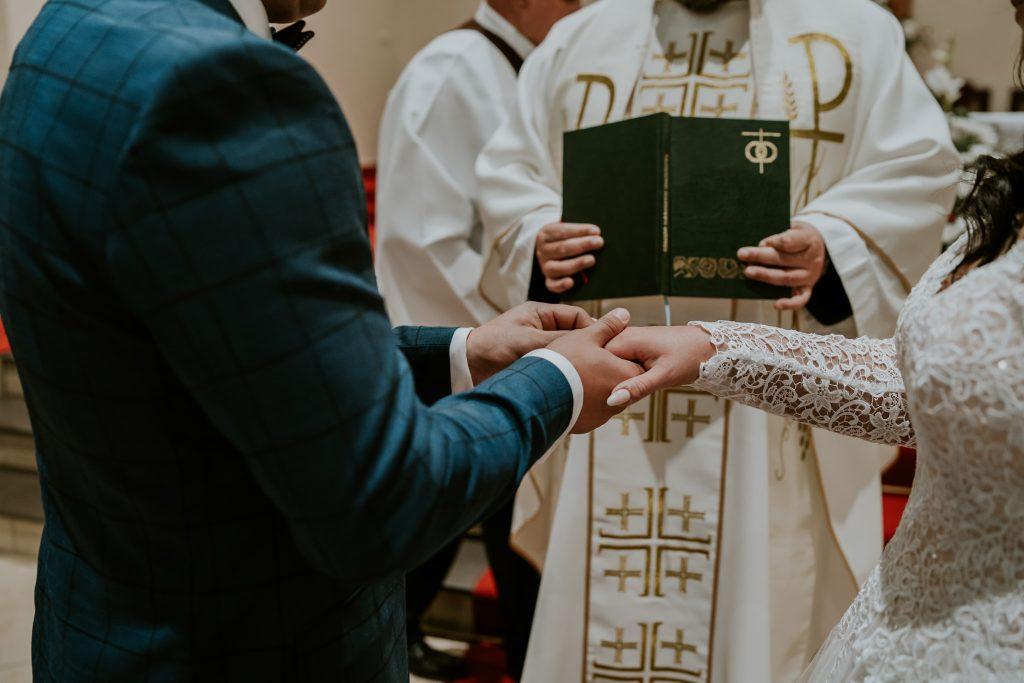 reportaz slubny lubelskie magda tomek 62 1024x683 - Przepiękne wesele w Hotelu 'Regent' w Pawłowie | Magda & Tomek | 26.10.2019