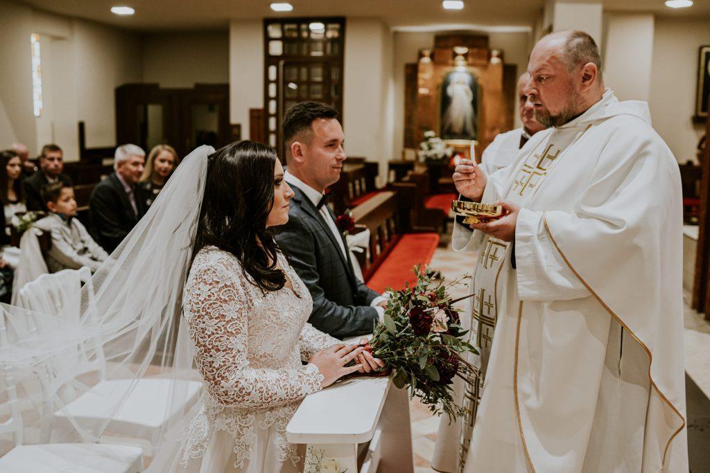 reportaz slubny lubelskie magda tomek 66 1024x683 - Przepiękne wesele w Hotelu 'Regent' w Pawłowie | Magda & Tomek | 26.10.2019