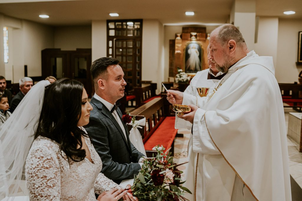 reportaz slubny lubelskie magda tomek 67 1024x683 - Przepiękne wesele w Hotelu 'Regent' w Pawłowie | Magda & Tomek | 26.10.2019