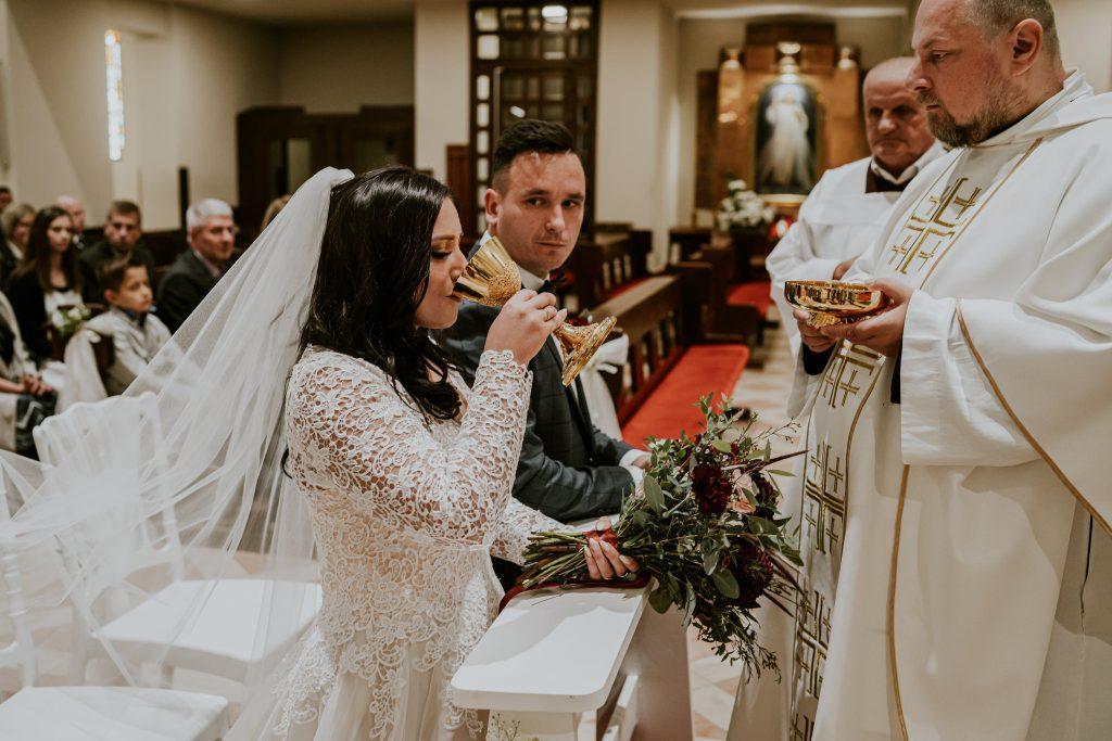 reportaz slubny lubelskie magda tomek 68 1024x683 - Przepiękne wesele w Hotelu 'Regent' w Pawłowie | Magda & Tomek | 26.10.2019