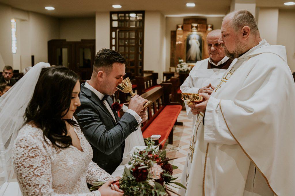 reportaz slubny lubelskie magda tomek 69 1024x683 - Przepiękne wesele w Hotelu 'Regent' w Pawłowie | Magda & Tomek | 26.10.2019
