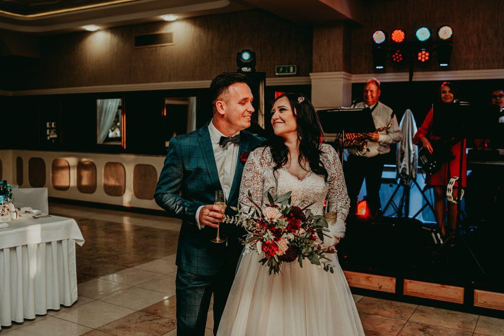 reportaz slubny lubelskie magda tomek 80 1024x683 - Przepiękne wesele w Hotelu 'Regent' w Pawłowie | Magda & Tomek | 26.10.2019