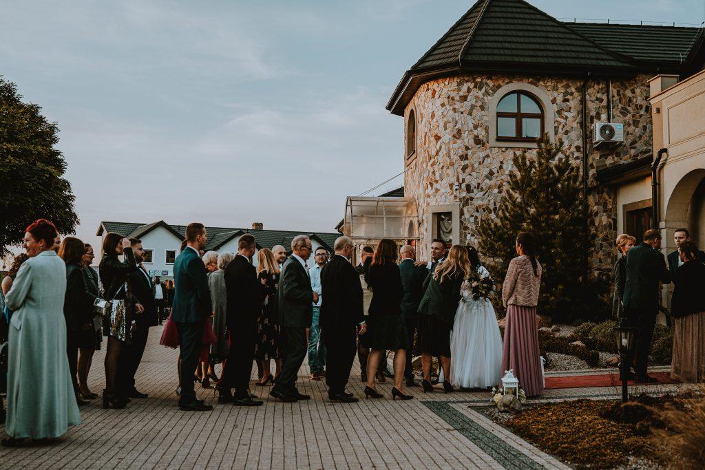 reportaz slubny lubelskie magda tomek 89 1024x683 - Przepiękne wesele w Hotelu 'Regent' w Pawłowie | Magda & Tomek | 26.10.2019