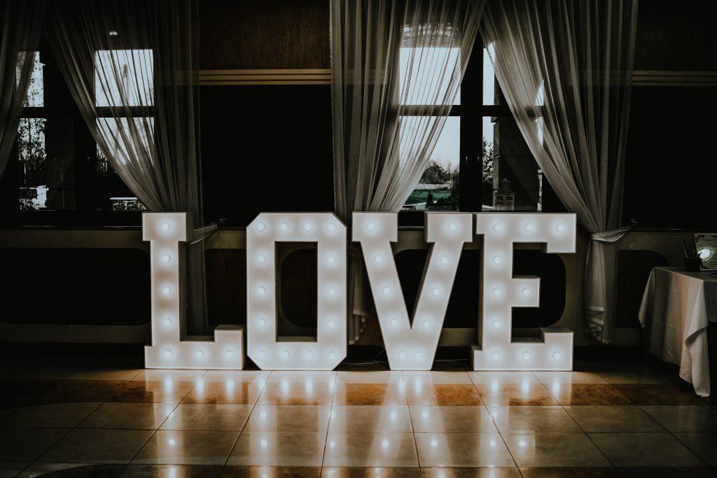 reportaz slubny lubelskie magda tomek 91 1024x683 - Przepiękne wesele w Hotelu 'Regent' w Pawłowie | Magda & Tomek | 26.10.2019