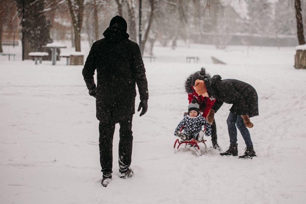 rodzinna sesja zimowa chelm 1 1024x683 - Justyna i Kamil z dziećmi – zimowa sesja rodzinna