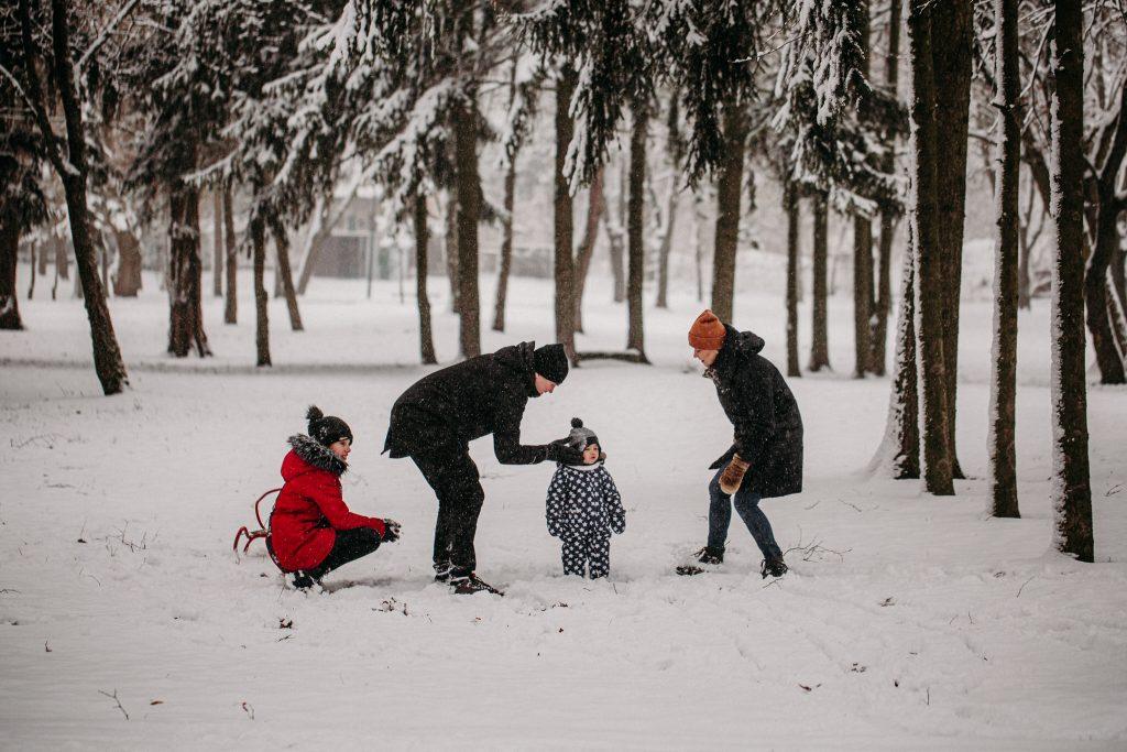 rodzinna sesja zimowa chelm 11 1024x683 - Justyna i Kamil z dziećmi – zimowa sesja rodzinna