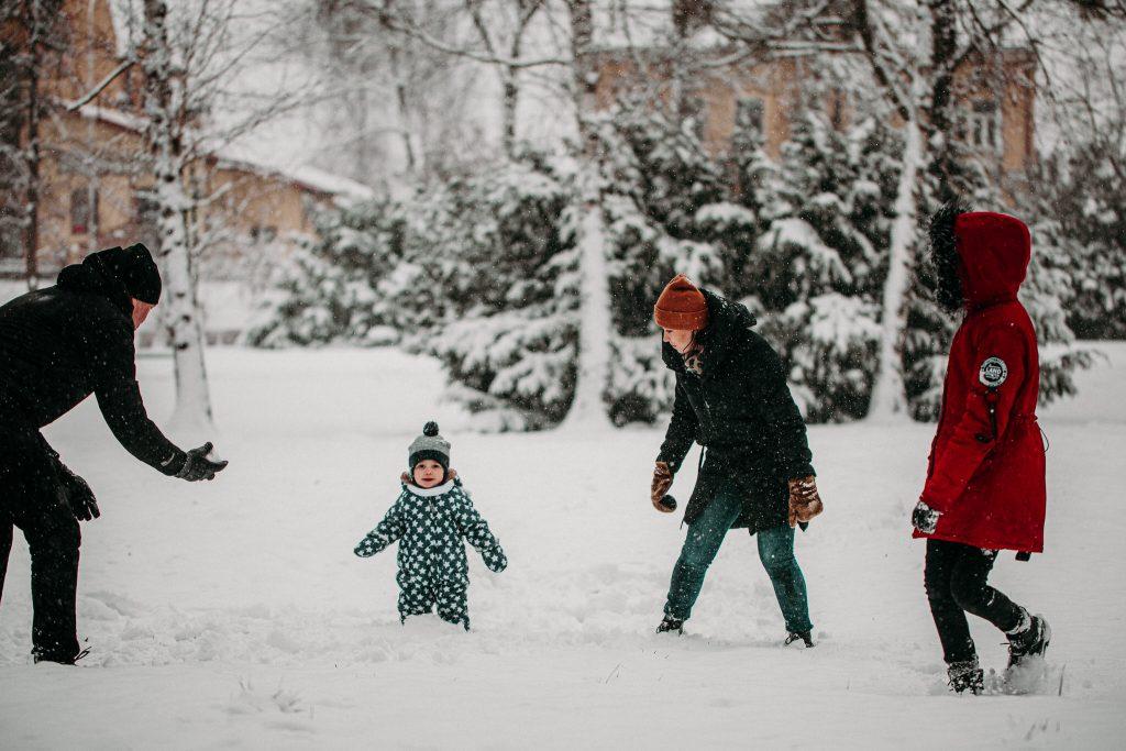 rodzinna sesja zimowa chelm 18 1024x683 - Justyna i Kamil z dziećmi – zimowa sesja rodzinna