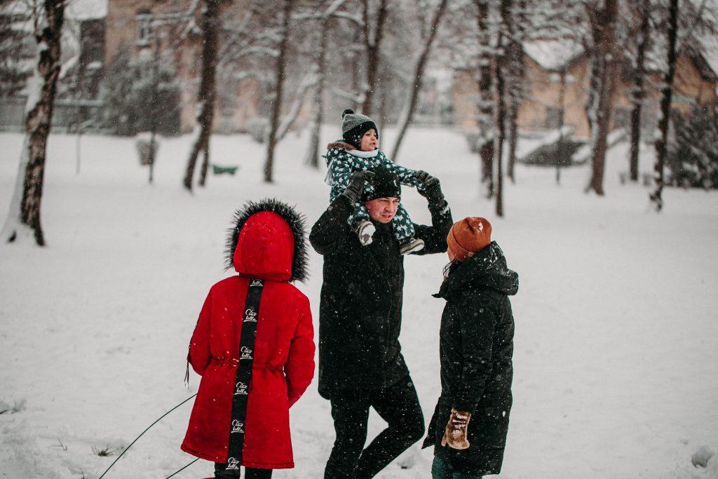 rodzinna sesja zimowa chelm 21 1024x683 - Justyna i Kamil z dziećmi – zimowa sesja rodzinna