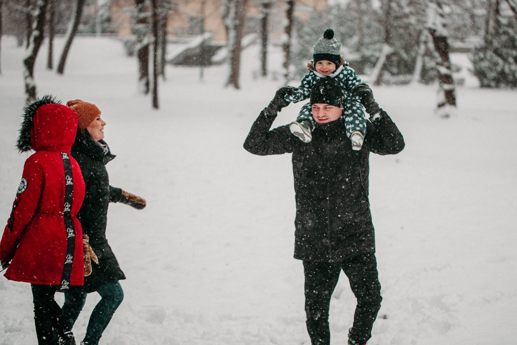 rodzinna sesja zimowa chelm 22 1024x683 - Justyna i Kamil z dziećmi – zimowa sesja rodzinna