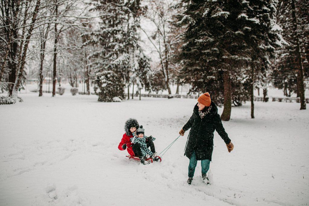 rodzinna sesja zimowa chelm 25 1024x683 - Justyna i Kamil z dziećmi – zimowa sesja rodzinna