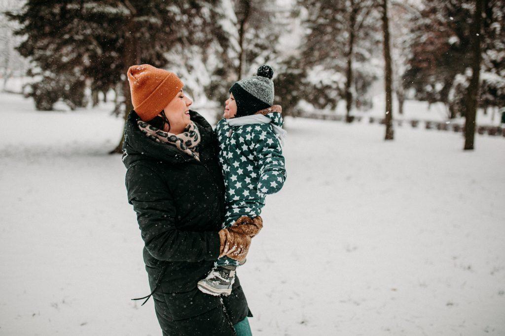 rodzinna sesja zimowa chelm 28 1024x683 - Justyna i Kamil z dziećmi – zimowa sesja rodzinna