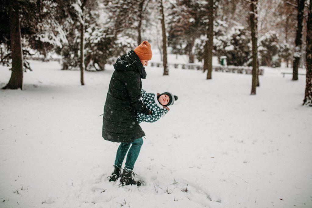 rodzinna sesja zimowa chelm 29 1024x683 - Justyna i Kamil z dziećmi – zimowa sesja rodzinna
